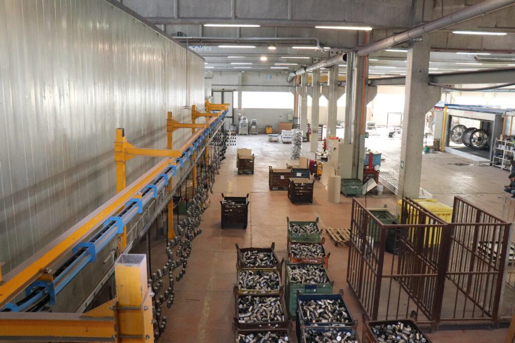 verniciatura a polvere impianto in linea Bellante